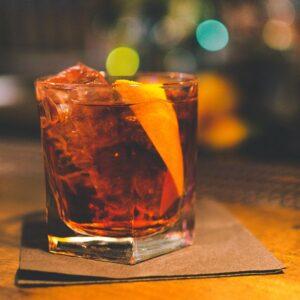 Cocktail negroni con il vermout